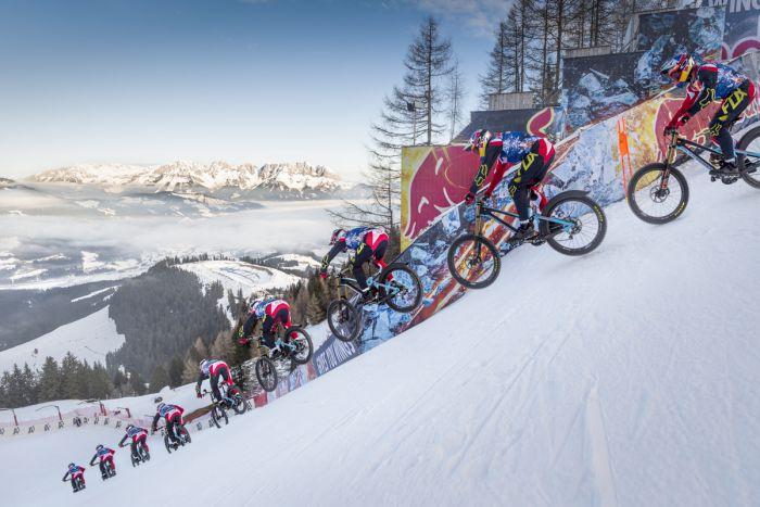 雪地上的瘋狂挑戰-103公里的狂飆