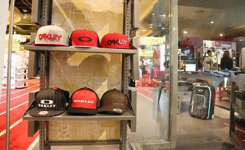 全台第一間Oakley專賣店正式開幕