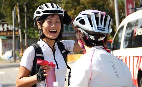 台灣女孩Minka(謝承惠)從德國騎單車回家