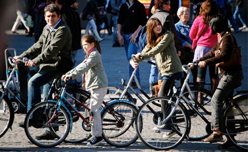 車滿為患!阿姆斯特丹要蓋單車「水下」停車場