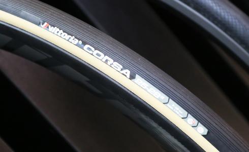 扛起最速輪胎封號 Vittoria Corsa強勢登場