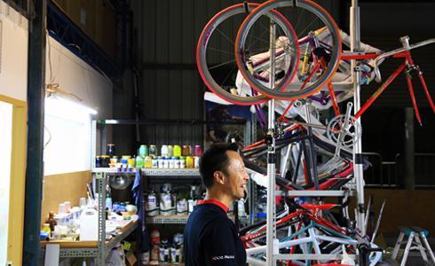 單車時代 - 銷售反攻製造 鐵馬賽克客製烤漆拼轉型