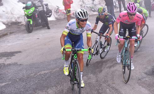 環義十九站風雲變色 Kruijswijk粉紅衫摔掉後由Chaves接手 Nibali贏得單站
