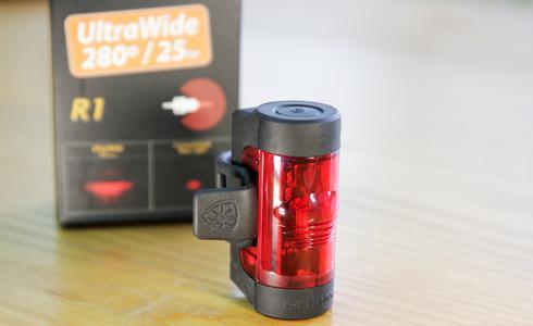 單車時代 - 保護自己的秘密武器 ROXIM R1 280度廣角尾燈