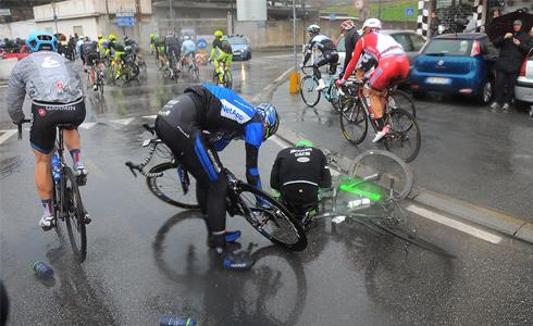 雨中騎乘的八個技巧