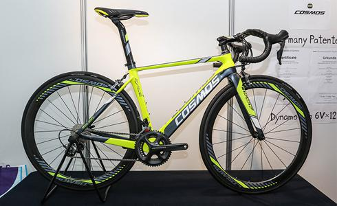 COSMOS碳纤维自行车 2017年10月新登场