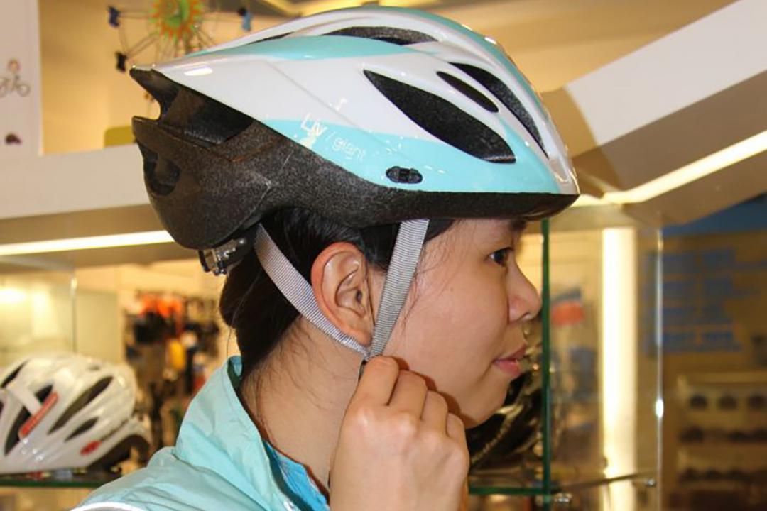 一起來溫習 如何把安全帽選得合適 戴得妥當