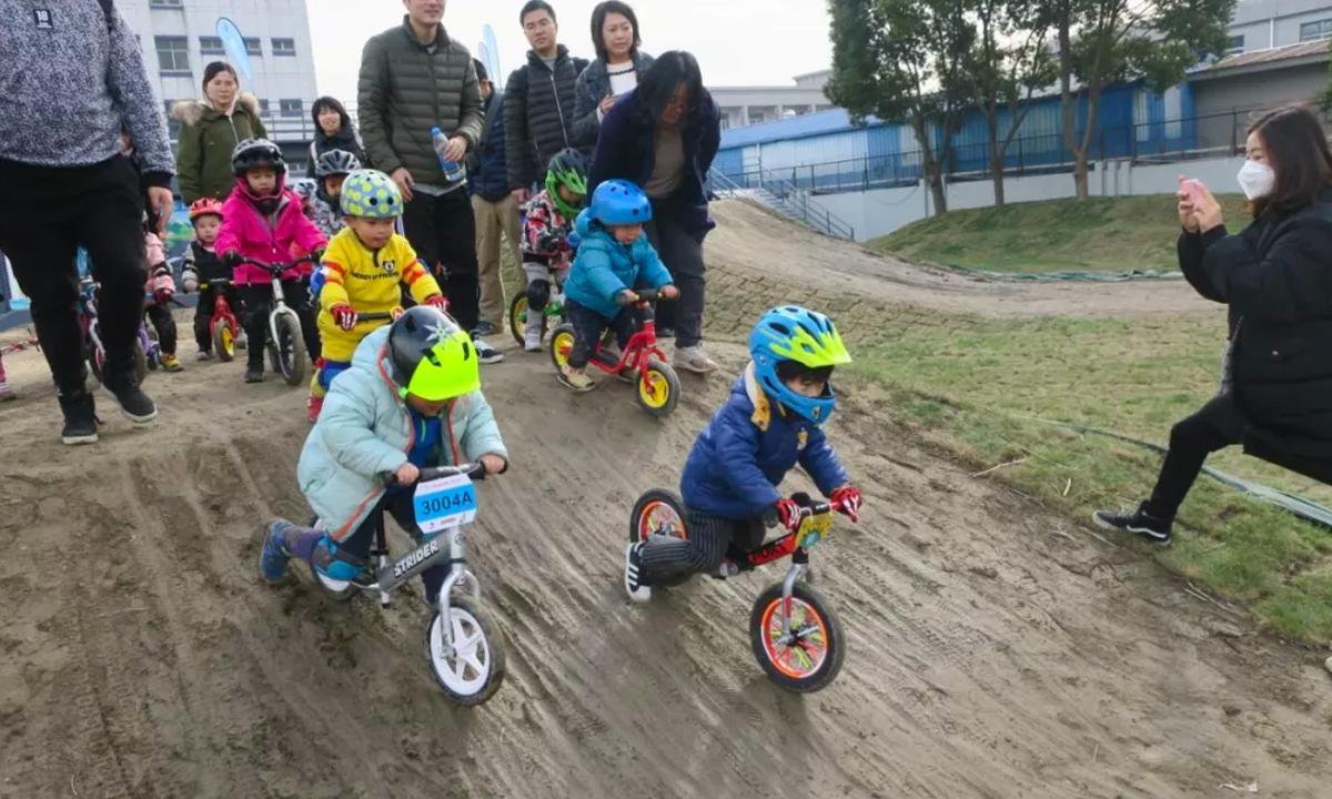 占地一万平方米的欧亚马自行车运动基地