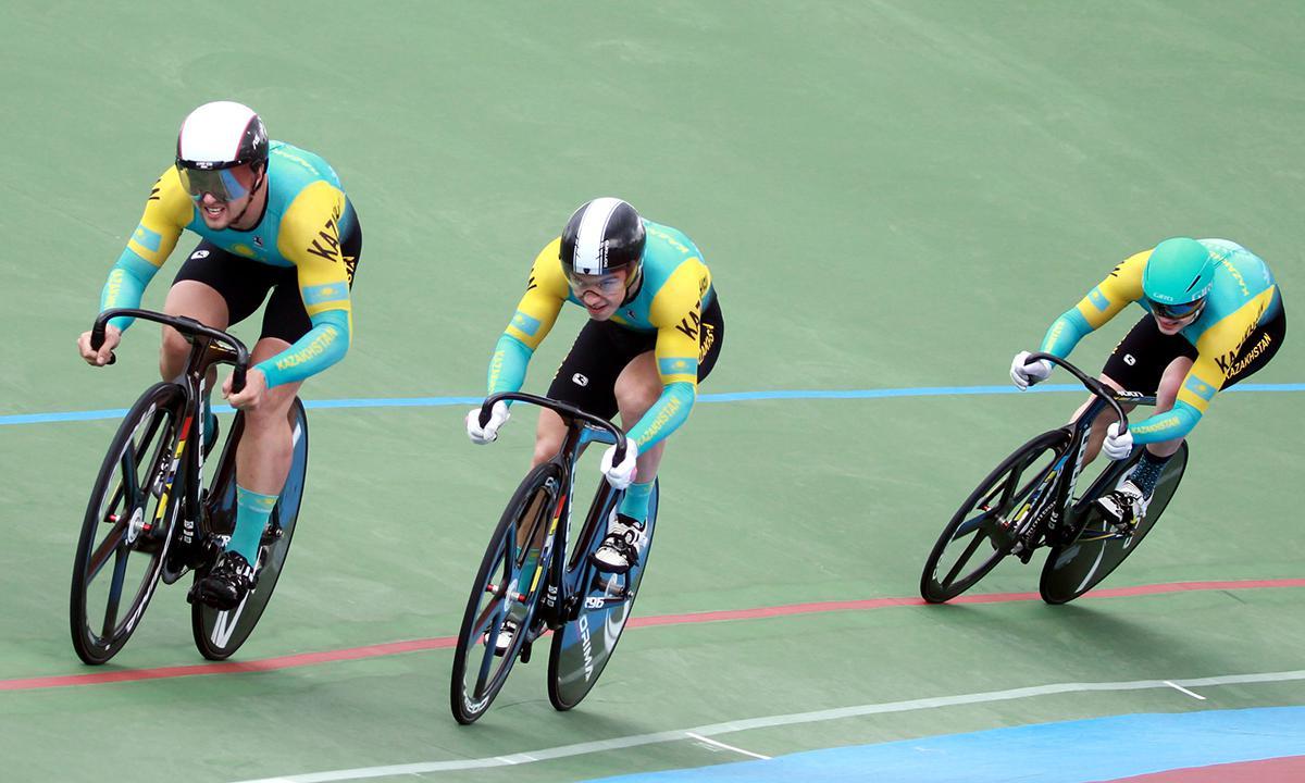 国际自由车场地经典赛 波诺马里耶夫和队友夺得团队竞速金牌