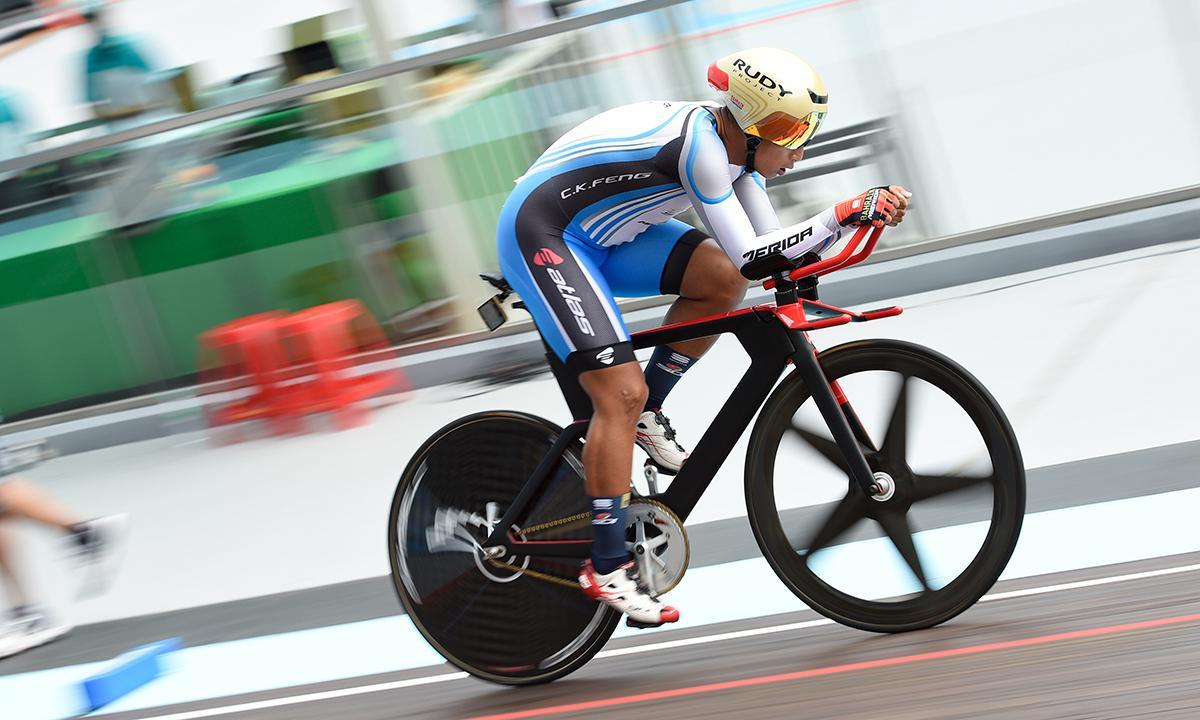 風馳電掣 馮俊凱於全運會個人追逐賽破紀錄並攻下金牌